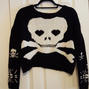 Black thick knit cropped skull sweater